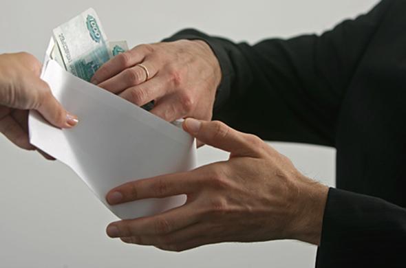 Казанец предлагал поступить в КФУ за 270 тыс. рублей