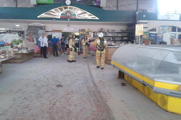 Пожар на Чеховском рынке: горели деревянные стеллажи