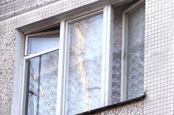 В Казани 1.5-годовалая девочка выпала со второго этажа