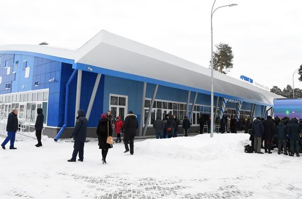 В Дербышках открылся плавательный бассейн