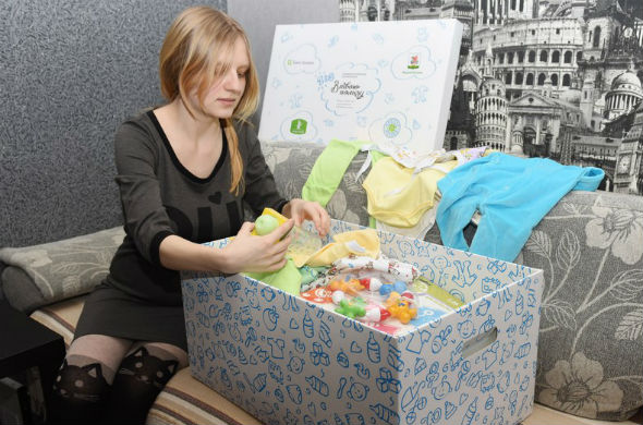 На выписку из роддома казанским семьям вручат «Коробку малыша»
