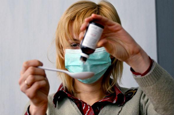Казанцы скупают в аптеках маски и лекарства от гриппа и простуды