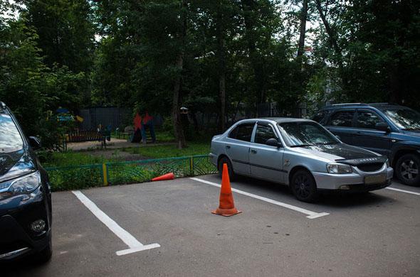В Казани мужчина избил пенсионера за занятое место на парковке