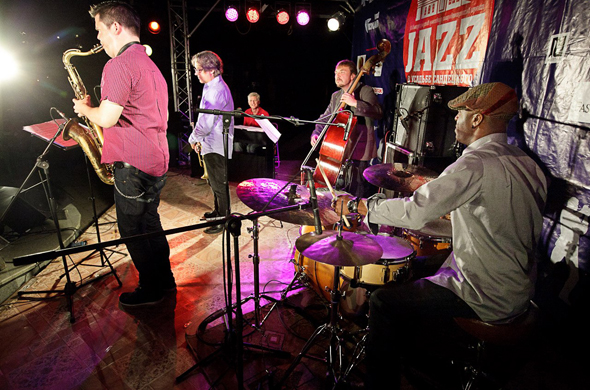В Казани с 8 по 29 августа пройдет «Jazz в усадьбе Сандецкого»